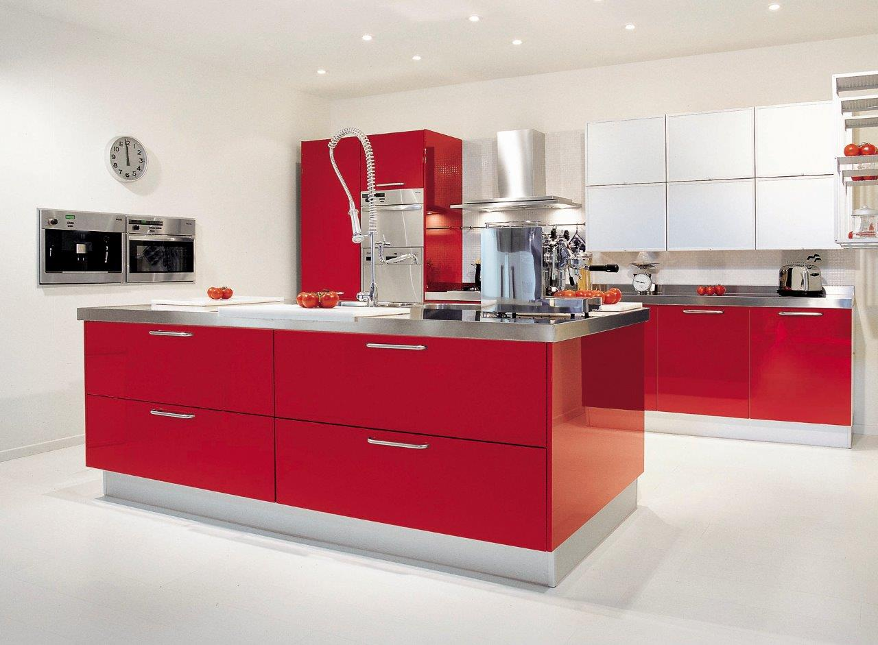 Red Parapan Kitchen2